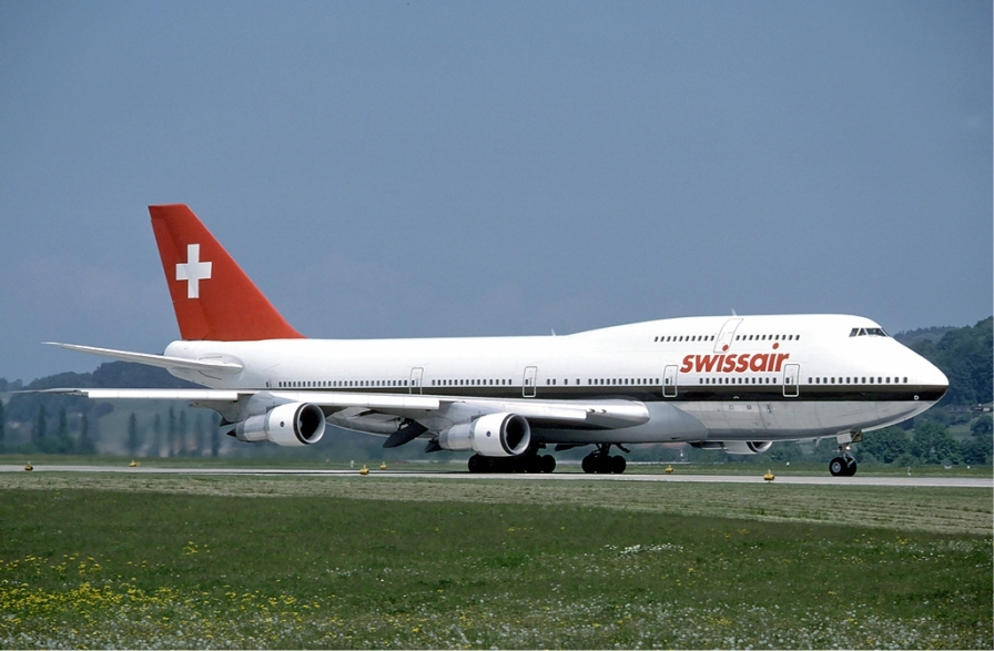 swissair_boeing_747-300_at_zurich_airport_in_may_1985