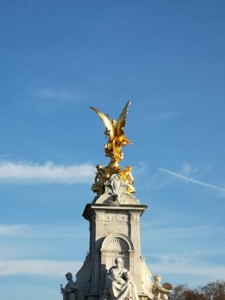 Obelisc at Buckingham Palace