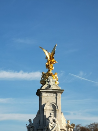 Obelisc at Buckingham Palace